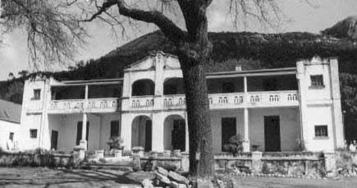 Pontac, eertydse woning van 2 geslagte Van Niekerks - tans 'n gastehuis en restaurant